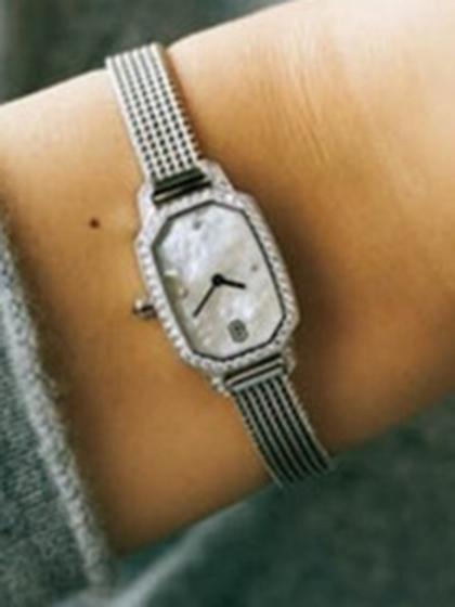 杂志 女式 手表 时尚手表图片4765820