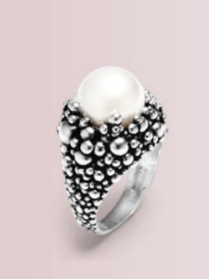 杂志 女式 手饰 戒指图片4774639